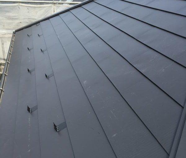 愛知県豊田市 屋根工事 屋根カバー工法(重ね葺き工法) ベランダ防水工事 FRP防水工事 (3)