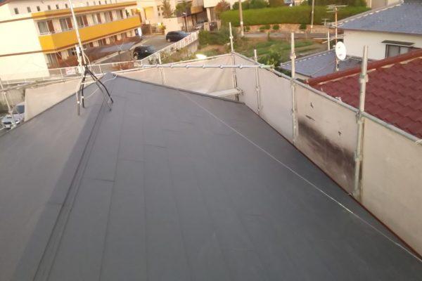 愛知県みよし市 屋根工事 屋根葺き替え工事 ガルバリウム鋼板製横葺き屋根 (1)