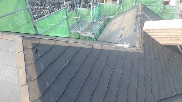 愛知県豊田市 屋根工事 屋根カバー工法(重ね葺き工事) 棟板金撤去 野地板張りまで (1)