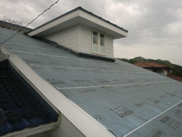 豊田市 屋根工事 屋根葺き替え工事 瓦屋根からガルバリウム鋼板へ (2)-min
