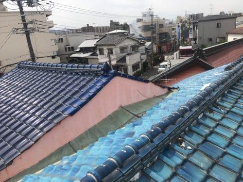愛知県みよし市 屋根工事 屋根葺き替え工事 増築の継ぎ目から雨漏り ガルバリウム鋼板へ葺き替え (1)-min