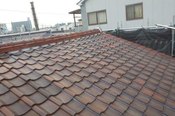 豊田市 屋根工事 瓦屋根・漆喰工事 割れた瓦の差し替え 漆喰のやり替え (2)-min