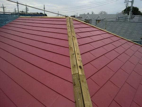 豊田市 屋根工事 屋根カバー工法(重ね葺き工事) コロニアルからガルバリウム鋼板(横葺き)へ (1)-min