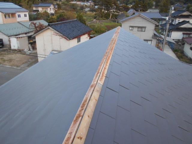 みよし市 屋根工事 屋根カバー工法(屋根重ね葺き工事) ガルバリウム鋼板 (1)-min