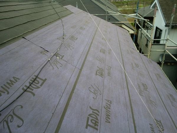 豊田市 屋根工事 屋根カバー工法(重ね葺き工事) 田島ルーフィング タディスセルフ ガルバリウム鋼板 (1)-min