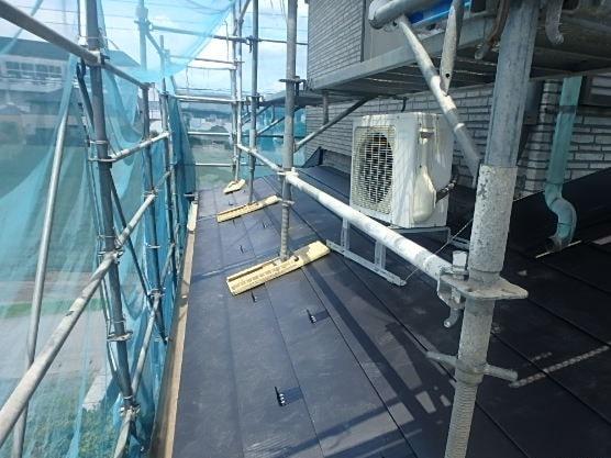 みよし市 屋根工事 屋根葺き替え工事 ルーフィング 雪止め ガルバリウム鋼板 (1)-min