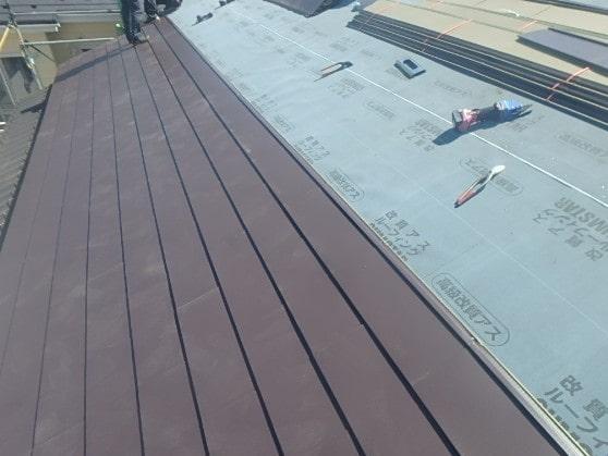 豊田市 屋根工事 屋根葺き替え工事の工程 瓦屋根からガルバリウム鋼板に (3)-min