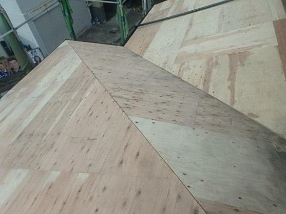 みよし市 屋根工事 下屋 屋根葺き直し工事 瓦屋根撤去 下地作り直し (2)-min