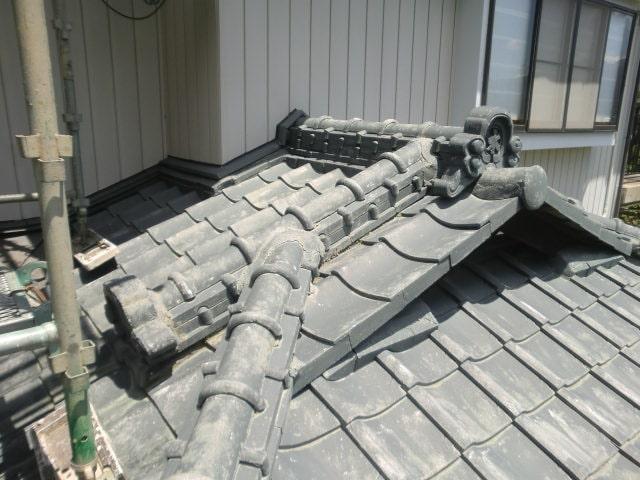 豊田市 屋根工事 屋根葺き替え工事 入母屋造り屋根 撤去~ルーフィング (1)-min