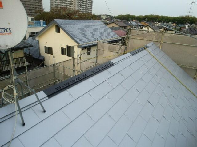 みよし市 屋根工事 屋根重ね葺き工事(屋根カバー工法) ガルバリウム鋼板 (2)-min