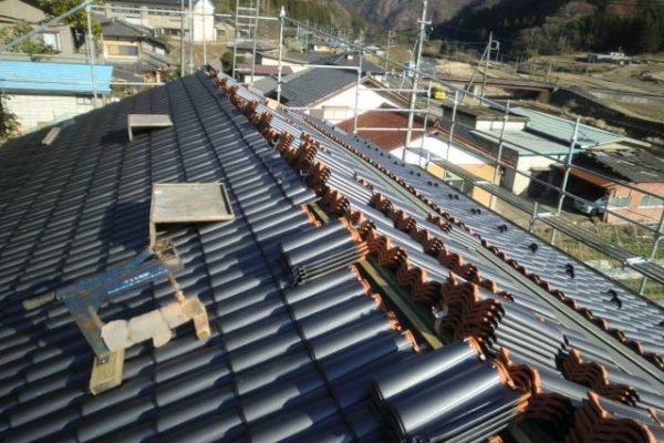 豊田市 屋根工事 瓦屋根葺き替え工事 野地板、ルーフィング、桟木張り スーパートライ110サンレイ (3)-min