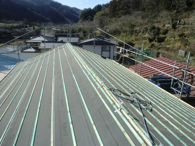豊田市 屋根工事 瓦屋根葺き替え工事 野地板、ルーフィング、桟木張り スーパートライ110サンレイ (1)-min