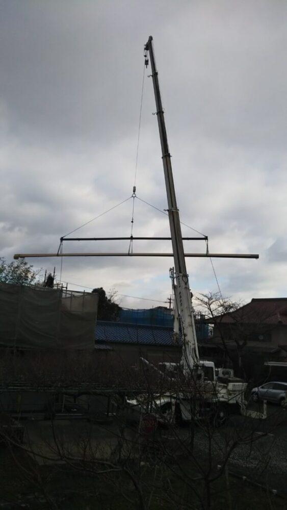 16メートルの屋根材の荷揚